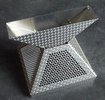 Trichter für Ballpyramide für 91 Bälle